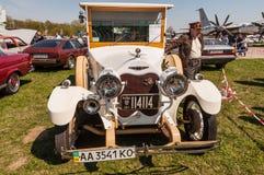 1925年薛佛列-自创婚礼汽车 免版税库存照片