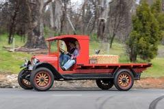 1927年薛佛列LM平床卡车 免版税库存图片