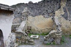 贮藏船舶和议院,赫库兰尼姆考古学站点,褶皱藻属,意大利 免版税库存图片