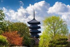 藤二寺庙,京都塔在日本 免版税库存图片