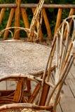 藤椅和表外形 库存图片