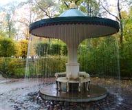蘑菇喷泉在Peterhof 库存图片