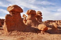 蘑菇岩石和异常的砂岩岩层叫恶鬼 图库摄影