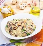 蘑菇意大利煨饭 免版税库存图片
