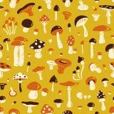 蘑菇无缝的模式 免版税库存照片
