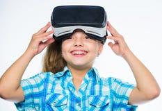 虚拟现实概念 学校学生的真正教育 愉快的孩子用途现代技术虚拟现实 获得 图库摄影
