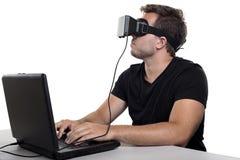 虚拟现实游戏玩家 免版税库存图片
