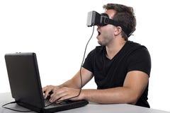 虚拟现实游戏玩家 免版税库存照片