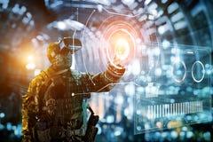 虚拟现实玻璃的战士 免版税库存照片