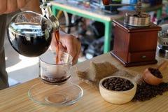虹吸管咖啡 免版税库存照片