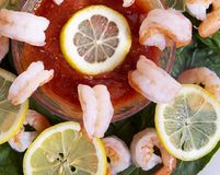 虾仁开胃品用菠菜 库存图片