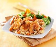 虾和炒饭teriyaki盘 免版税库存照片