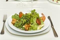 虾和鲕梨果子开胃菜  免版税库存图片