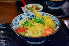 虾天麸罗拉面在日本 免版税库存照片