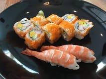 虾寿司和卷 库存照片