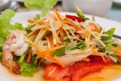 虾沙拉用草本 免版税库存照片