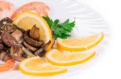 虾沙拉用蘑菇 免版税库存图片