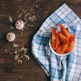 虾用草本和大蒜 免版税图库摄影