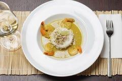 虾用调味汁、白米和石灰 免版税图库摄影