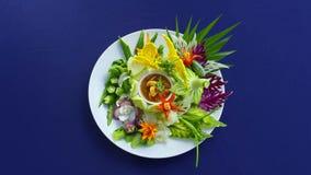 虾酱辣味番茄酱以菜品种,著名泰国食物电话Numprik Kapi,泰国食物 免版税图库摄影