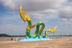 蛇或纳卡人雕象在Nongkhai泰国 免版税库存图片
