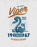 蛇蝎蛇 蛇眼镜蛇和Python、水蟒或者蛇蝎,皇家 刻记手拉在老剪影,葡萄酒样式为 向量例证