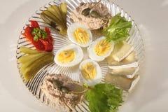 蛋、咸味干乳酪和金枪鱼开胃菜 库存照片
