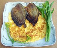 蛋和炸鱼 库存照片