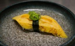 蛋寿司 库存图片