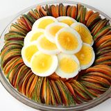 蛋沙拉黄瓜切的甜菜根红萝卜 图库摄影
