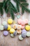 蛋白杏仁饼干和圣诞节 免版税库存图片