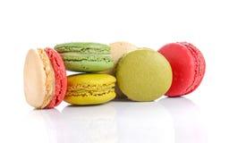 蛋白杏仁饼干或蛋白杏仁饼干在白色背景 库存照片