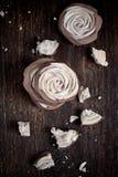 蛋白甜饼上升了 图库摄影