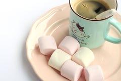 蛋白软糖和一杯咖啡 库存照片