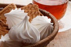 蛋白软糖和曲奇饼 免版税库存图片