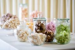 蛋白软糖和蛋白甜饼 免版税库存图片