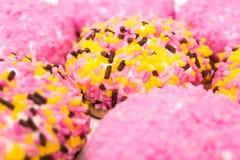 蛋白软糖曲奇饼用糖洒 免版税库存图片