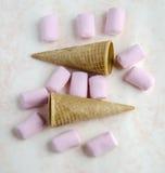 蛋白软糖甜点 免版税库存图片
