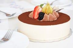 蛋糕准备好的服务 图库摄影