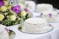 蛋糕可口婚礼白色 免版税图库摄影