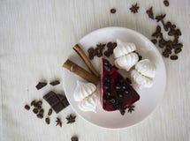 蛋糕和蛋白甜饼06 库存图片