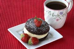 蛋糕咖啡草莓 库存照片