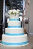 蛋糕四有排列的婚礼 免版税库存照片