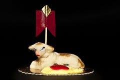 蛋糕复活节小杏仁饼绵羊西西里岛 免版税库存照片