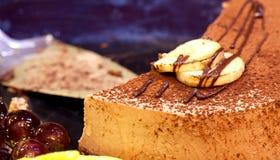 蛋糕巧克力泥 免版税库存照片
