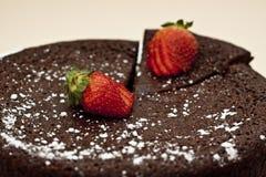 蛋糕巧克力泥 免版税库存图片