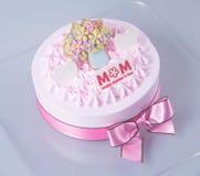 蛋糕或冰淇凌在背景的生日蛋糕 免版税图库摄影