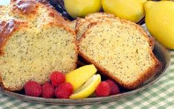 蛋糕柠檬罂粟的种子镑 免版税库存图片
