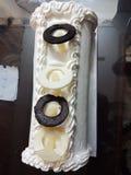 蛋糕樱桃奶油色冰 库存图片