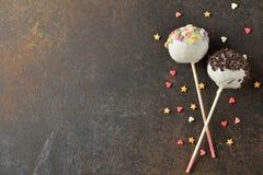 蛋糕流行音乐装饰用白色巧克力 库存图片